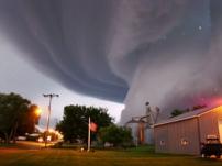 tornado-coming