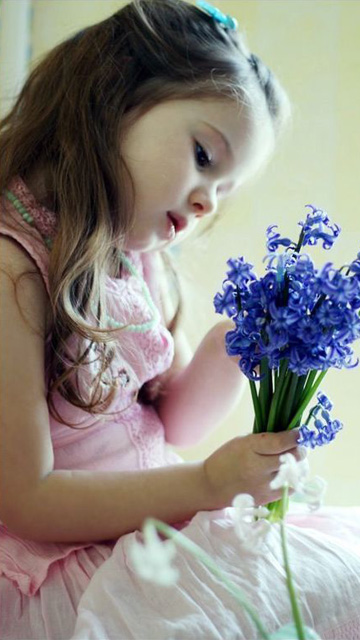 Cute and innocent kids cell phone wallpapers 360x640 (09)